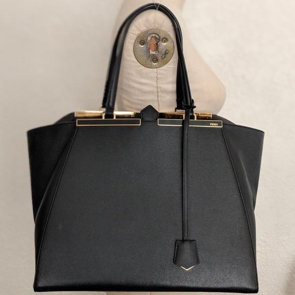 b1285ec452 Classic Large Fendi Shopper Tote Bag
